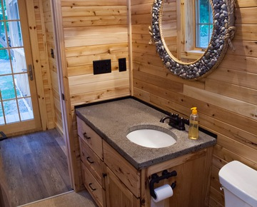 Bathrooms | Cabin rentals Michigan