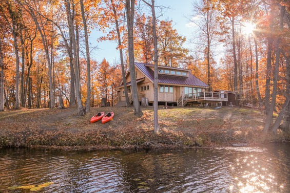 The Cabin from the Pond | Eco cottages